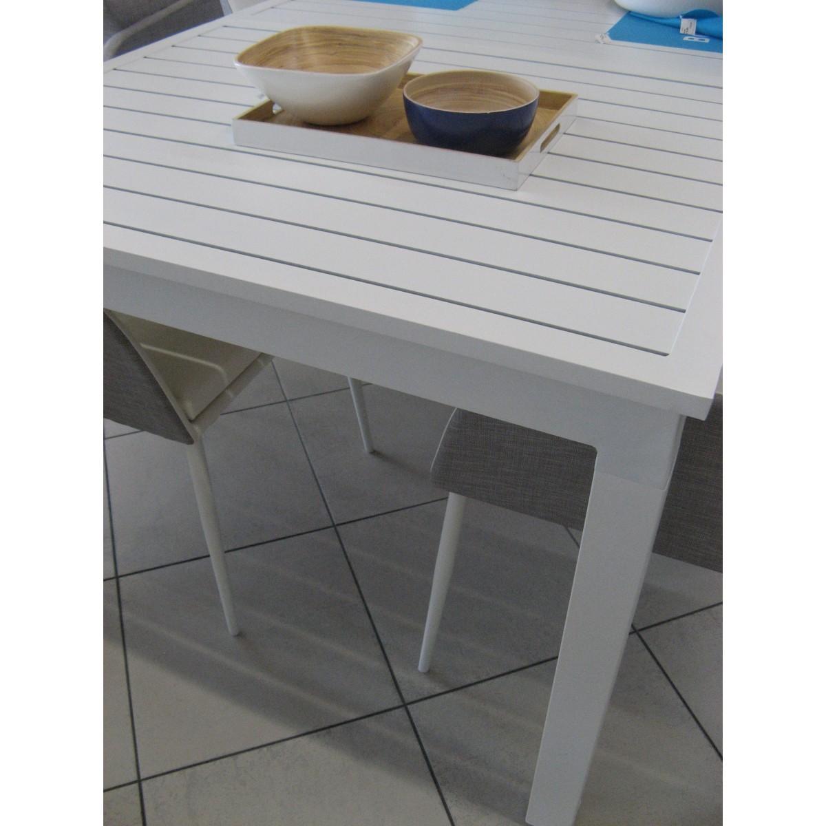 Pin coloris blanc aluminium on pinterest - Table exterieur aluminium ...