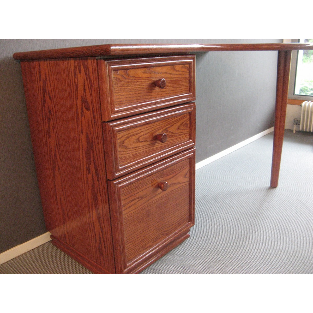 bureau en rotin avec 3 tiroirs. Black Bedroom Furniture Sets. Home Design Ideas