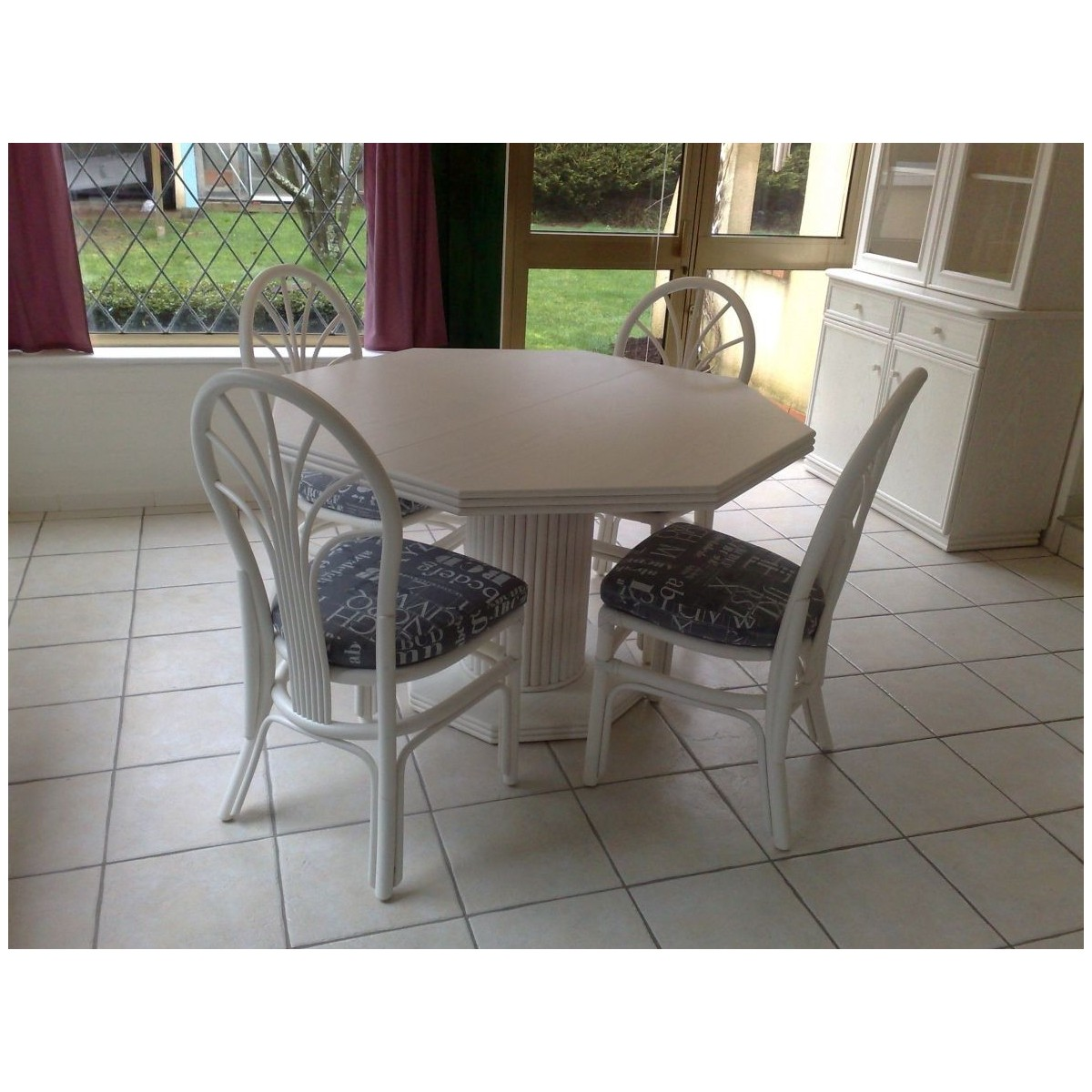 Table de salon en rotin octogonale pied central - Table a manger pied central ...