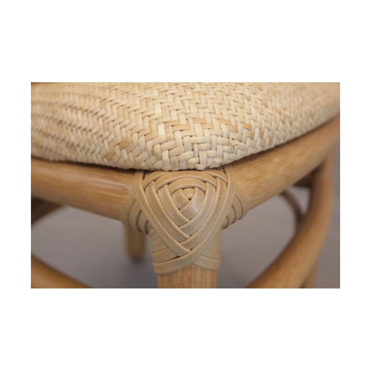 Chaise en rotin et ligatures en cuir coloris noisette for Chaise cuir et rotin
