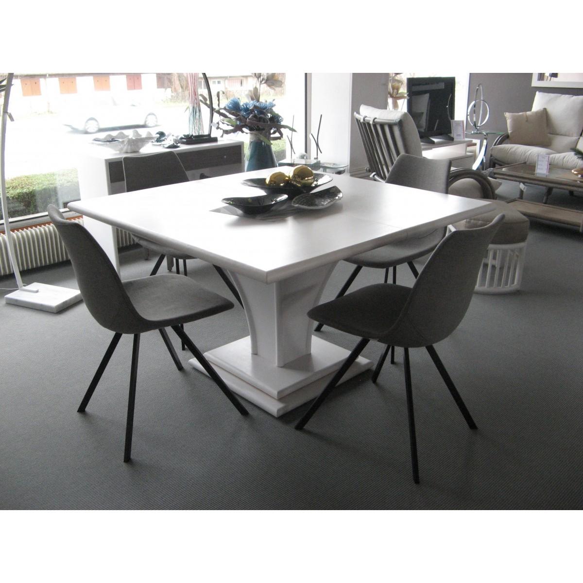 table manger en rotin carr avec allonge int gr e. Black Bedroom Furniture Sets. Home Design Ideas