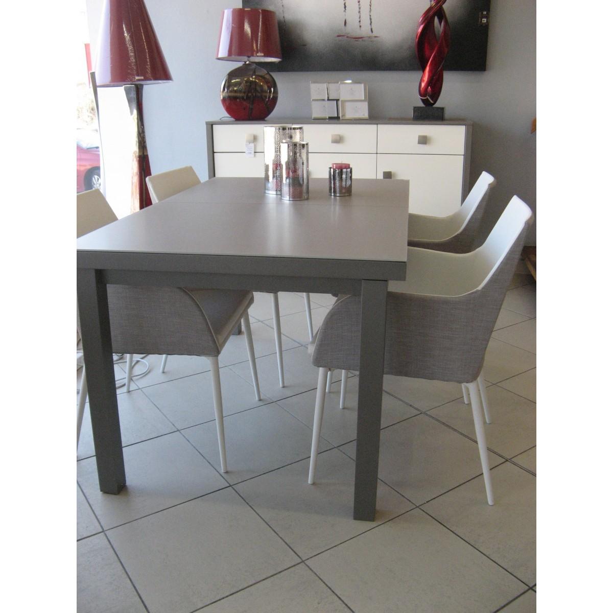 table de repas en aluminium et verre sp cial ext rieur en. Black Bedroom Furniture Sets. Home Design Ideas