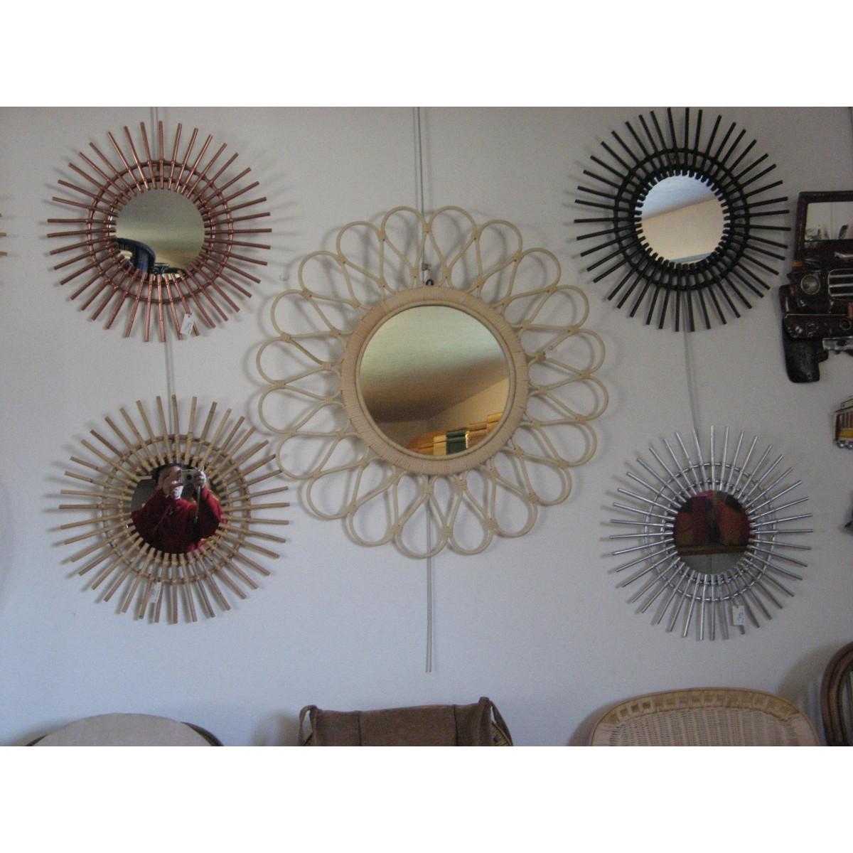 miroir rotin noir miroir rond avec encadrement en rotin clair miroir rotin miroir soleil. Black Bedroom Furniture Sets. Home Design Ideas