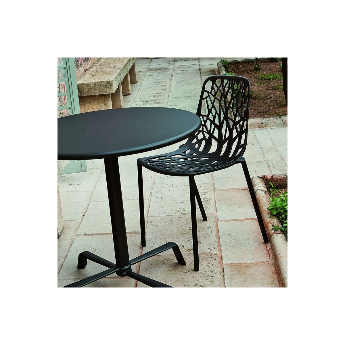 Table aluminium exterieur chaises aluminium forest with for Salon de jardin fly