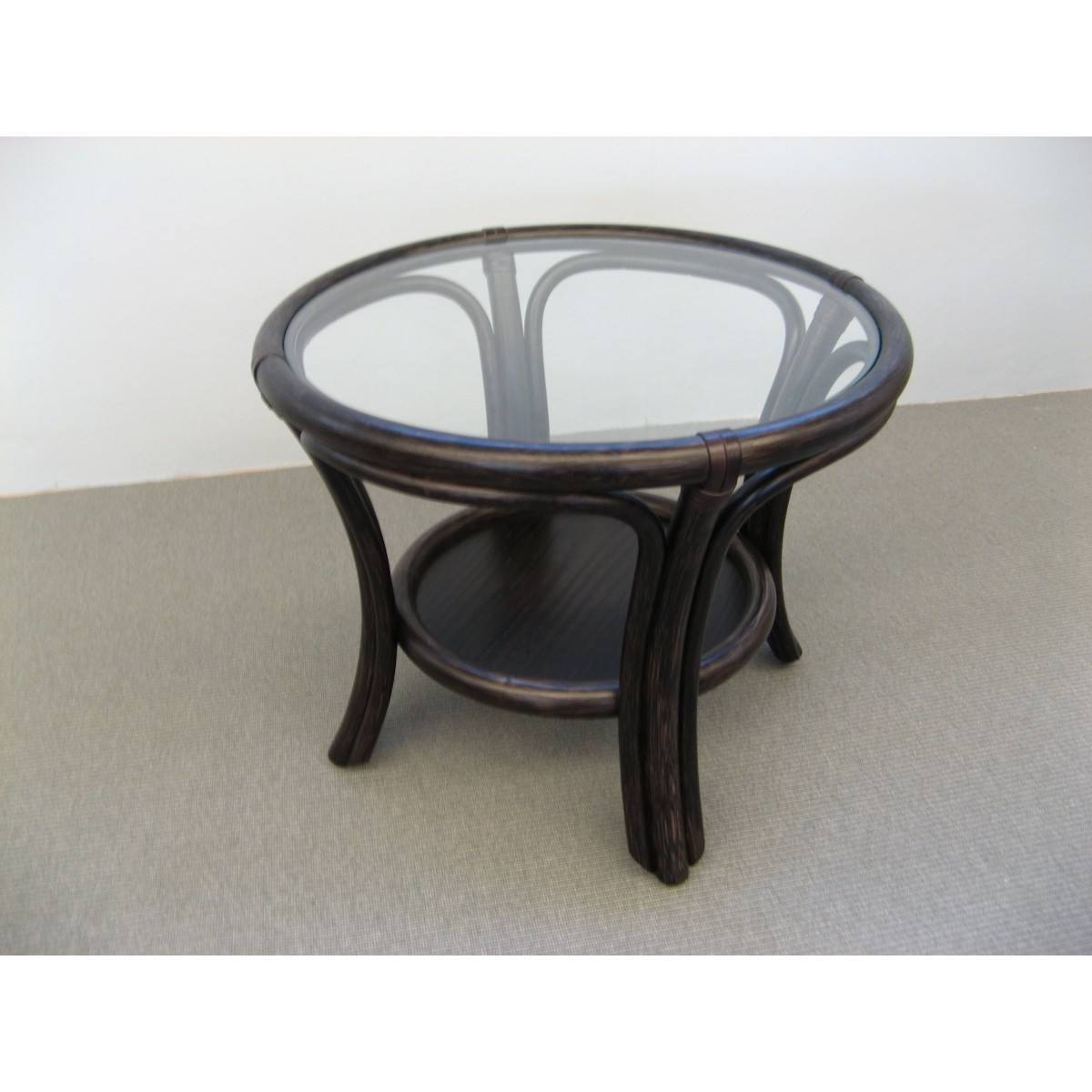 Table basse en rotin ronde de jeux coloris caf for Table ronde en rotin
