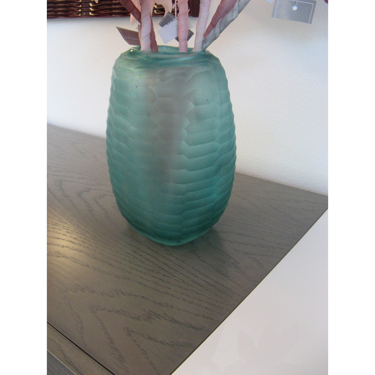 vase en verre turquoise cisel. Black Bedroom Furniture Sets. Home Design Ideas