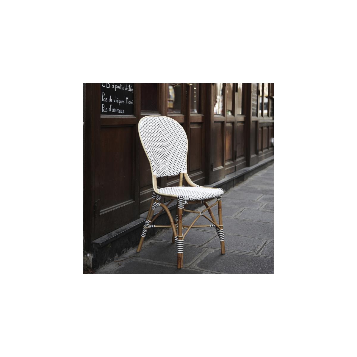 Table En Rotin Ronde Et Resine Style Bistrot